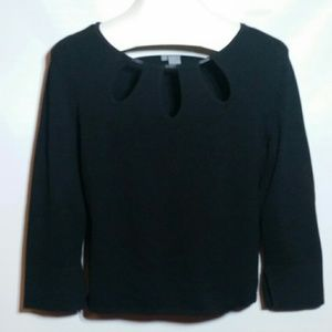 Eccoci Solid L/S Top 3/4 Sleeve Perforated Neck
